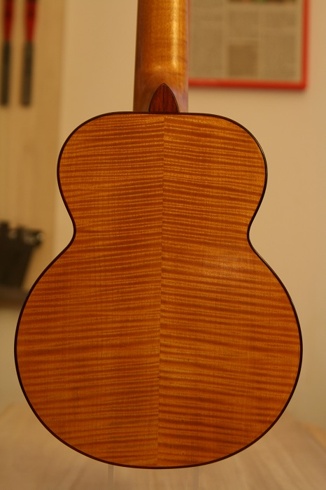 GRENOSI Sopran Ukulele Spruce Curly Maple - back detail