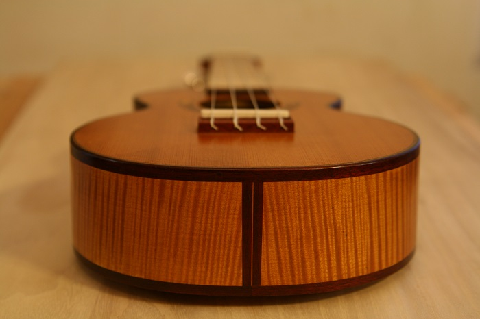 GRENOSI Sopran Ukulele Spruce Curly Maple - bottom